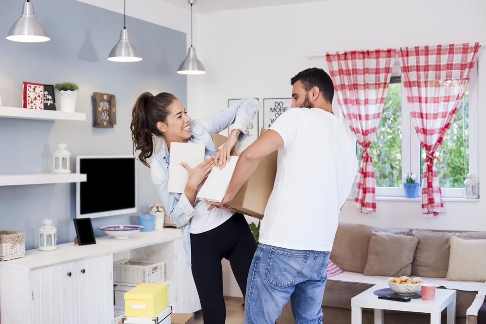 disadvantages of living together before marriage They will make every possible effort to save their relationship and seek solutions to problems and misunderstanding before setup that they end up delaying marriage as an option also, living together makes people used to disadvantages of being in a live-in.