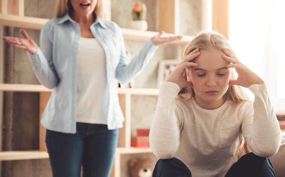 How Controlling Parents Affect Other Relationships? - Gildshire
