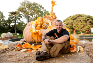 Ray and the world's biggest pumpkin carving Photo by: Ivo M. Vermeulen