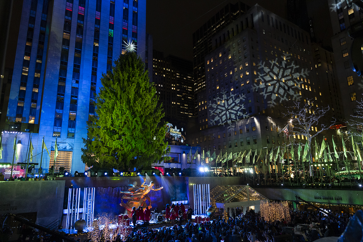 New York, NY - November 28, 2018: Atmosphere during 86th Annual Rockefeller Center Christmas Tree Lighting Ceremony at Rockefeller Center (Photo: Lev Radin)