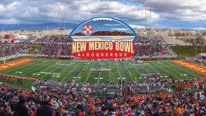 North Texas meets Utah St in the New Mexico Bowl.