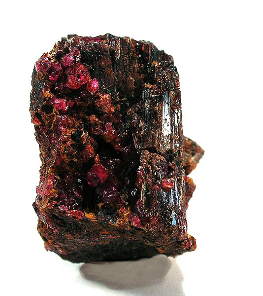 Painite - Rob Lavinsky, iRocks.com