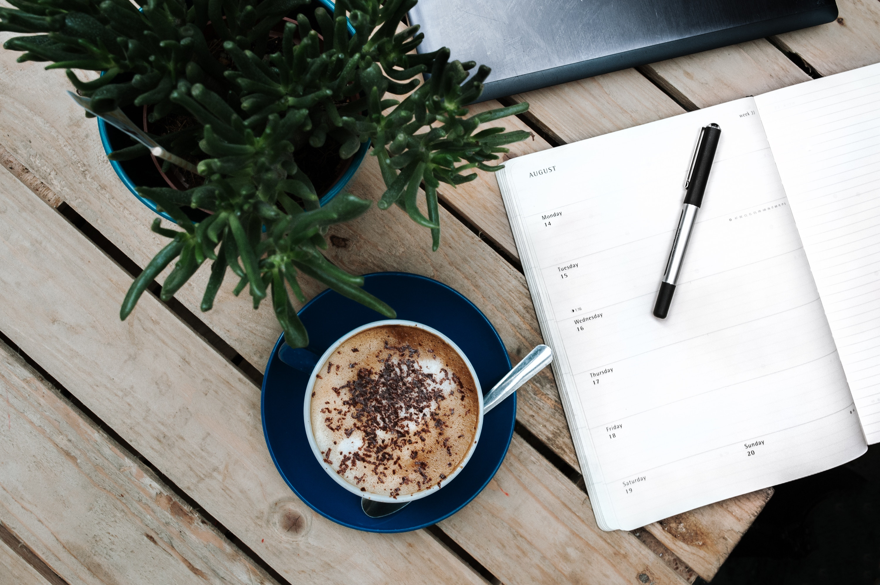 Writing your thoughts in the journal has been around as long as handwriting itself, however, today people prefer to write down with the purpose of reaching a certain goal.