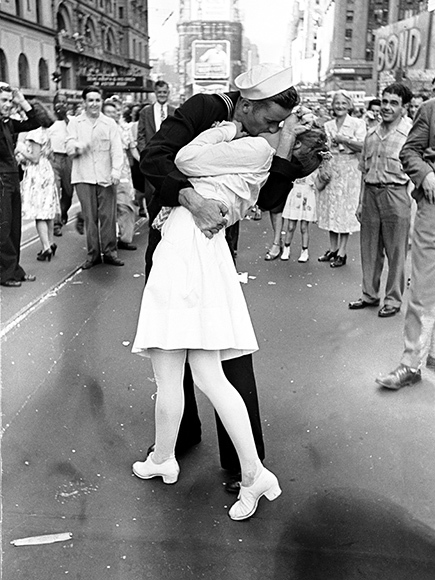 Greet your war hero or heroine this way on Valentine's Day.