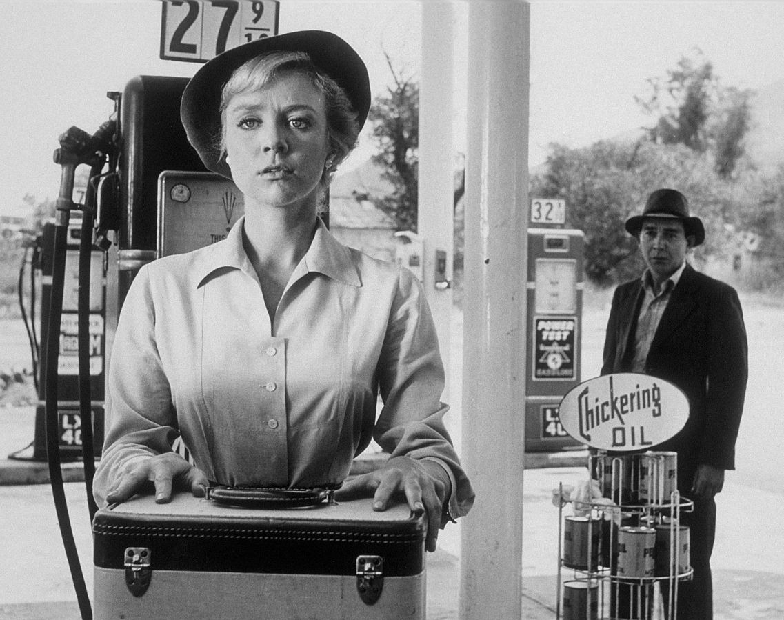 Inger Stevens and Leonard Strong in a scene from The Twilight Zone episode The Hitch Hiker.