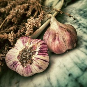 Natural Ways to Lower Cholesterol: Love your garlic