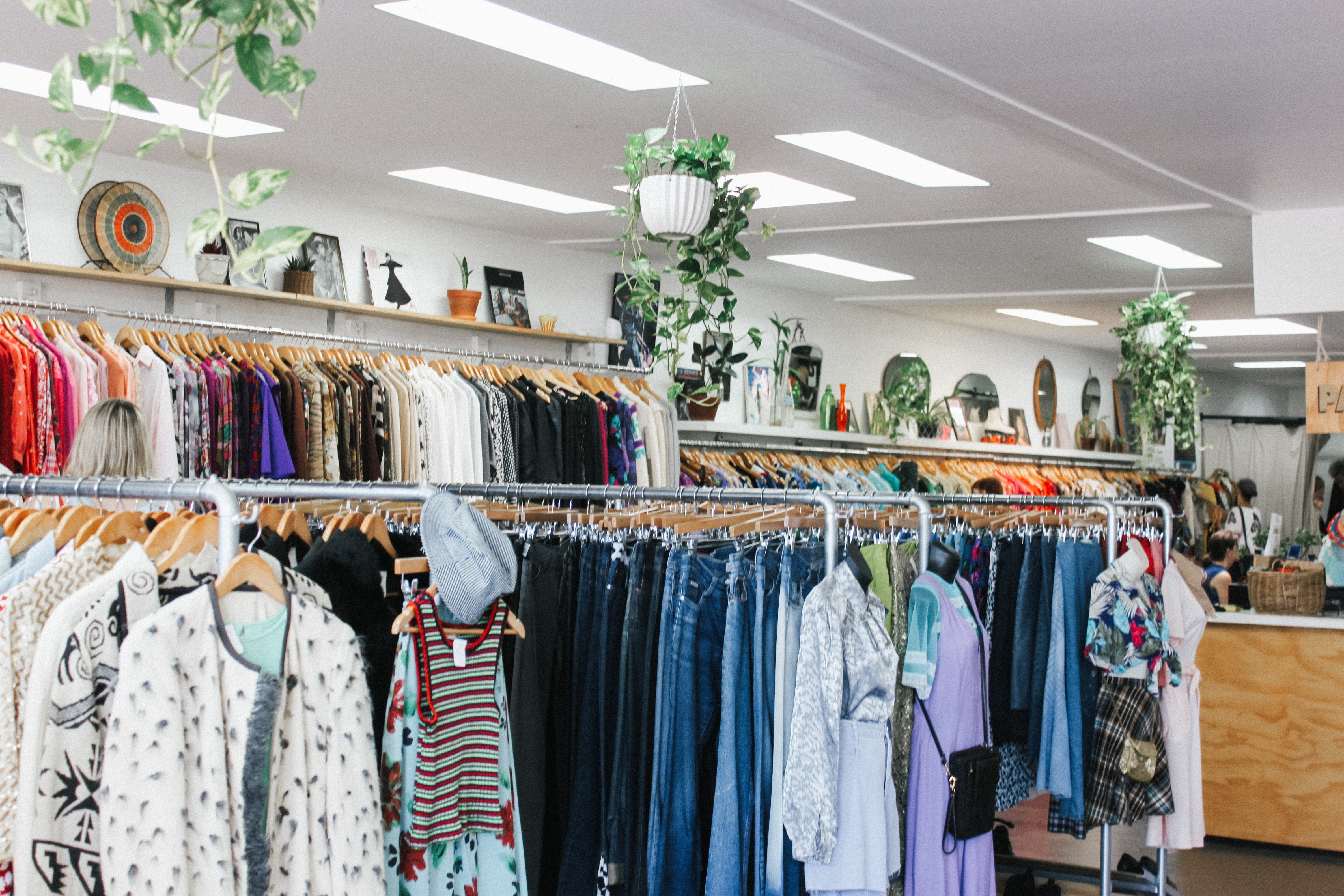 The Pros and Cons of Thrift Shops versus Consignment Stores
