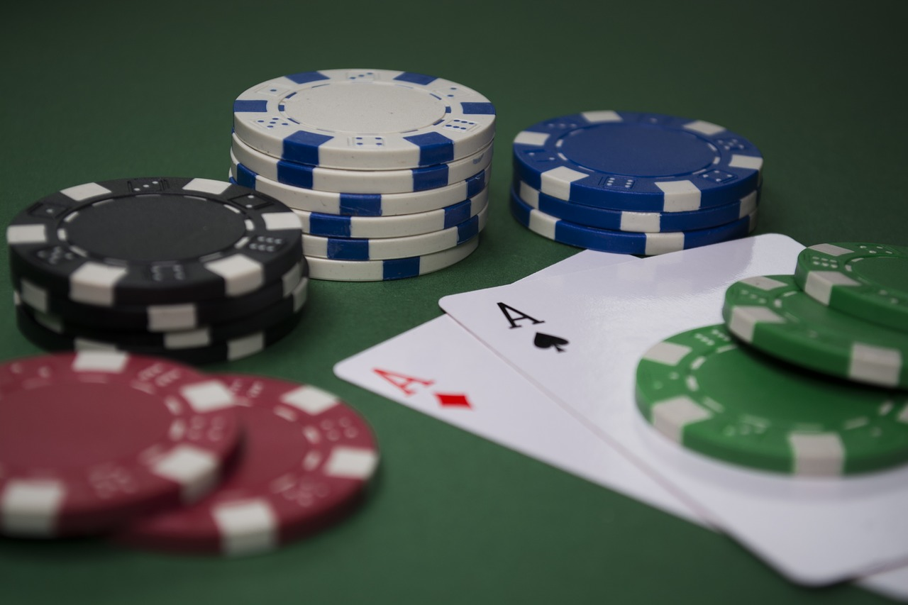 Poker is moving online and the poker business needs good software.