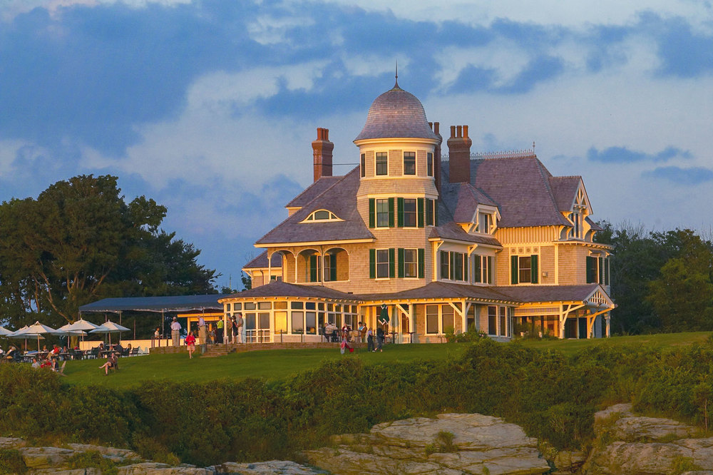 If you are interested in Thanksgiving travel the Gildshire way, you can't go wrong at this Rhode Island resort.