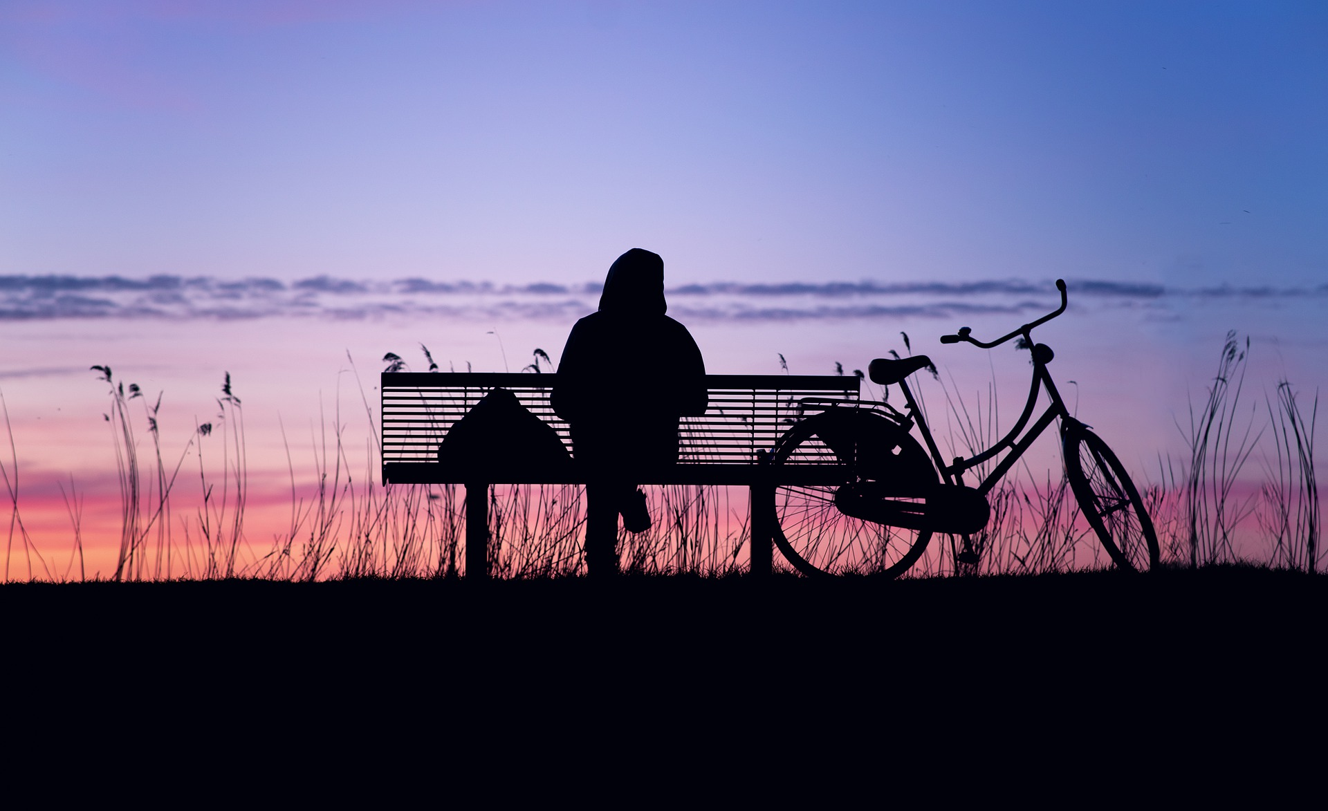 What Makes Us Feel Lonely? - Gildshire