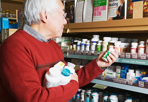 This gentleman chooses an individual vitamin set over a multivitamin. Is he right to do so?